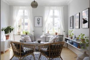 Salotto con divano e poltrone