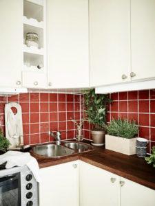 Rivestimento rosso cucina