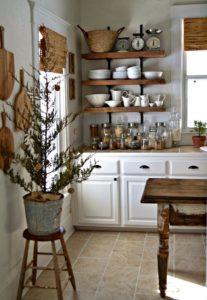 Cucina bianca in stile shabby