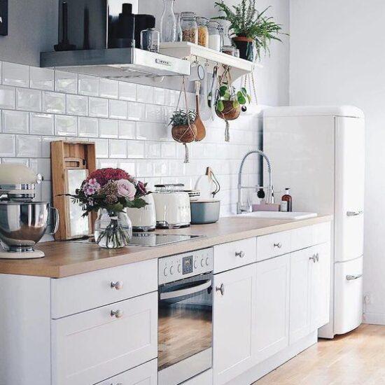 esempio di cucina 3 metri con frigo a parte