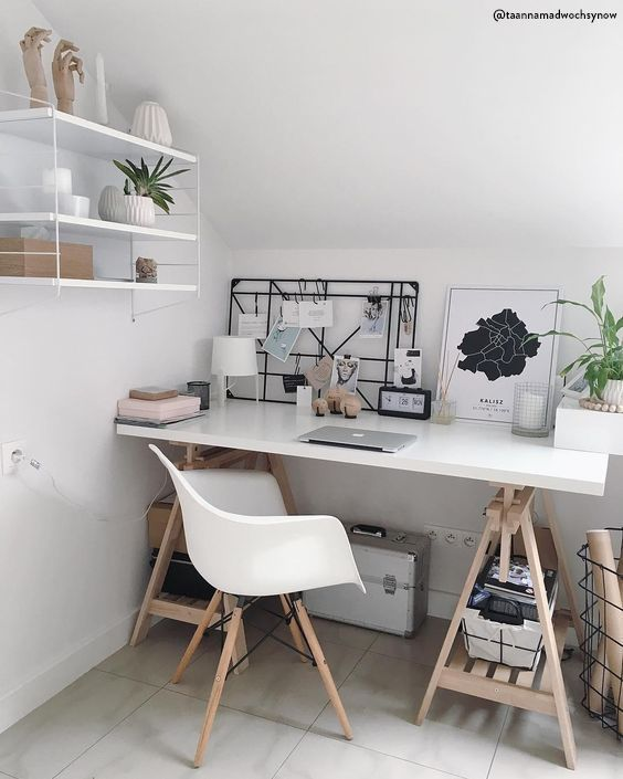 angolo scrivania soggiorno scandi